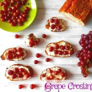 Grape Crostini recipe