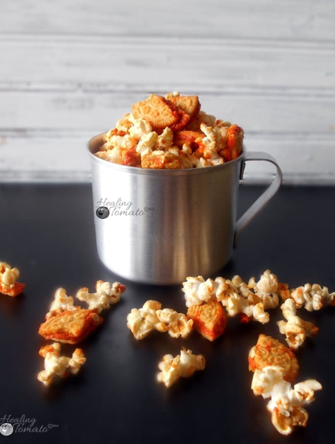 Pumpkin Spice Oreos Popcorn - Mix Oreos and popcorn to make this very quick snack item. It is a simple snack that only takes 5 minutes to make. Comfort food and movie time snack