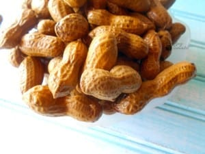 Boiled Peanuts Recipe - perfect healthy snack with holiday flavors. This slow cooked boiled peanuts are a perfect holiday snack idea. Set the cooker in the corner and let your guests eat from eat. Quick snack idea.