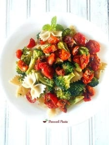 Looking for a quick dinner idea? This vegan pasta recipe is perfect for the whole family. Even vegetarians and meat lovers can eat this pasta. Quick and simple recipe for dinner.