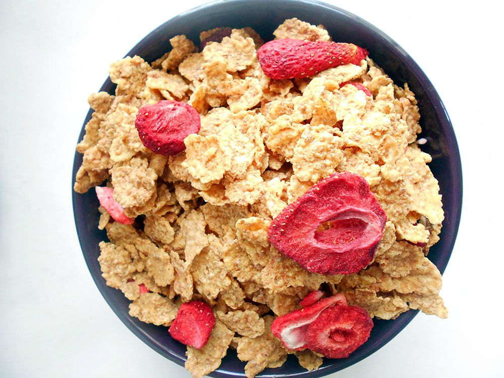 #AD Special K Red Berries are perfect breakfast cereal for every morning. Made with whole grains and have real strawberries. Folic acid, Fiber + Vitamin D #ESFS