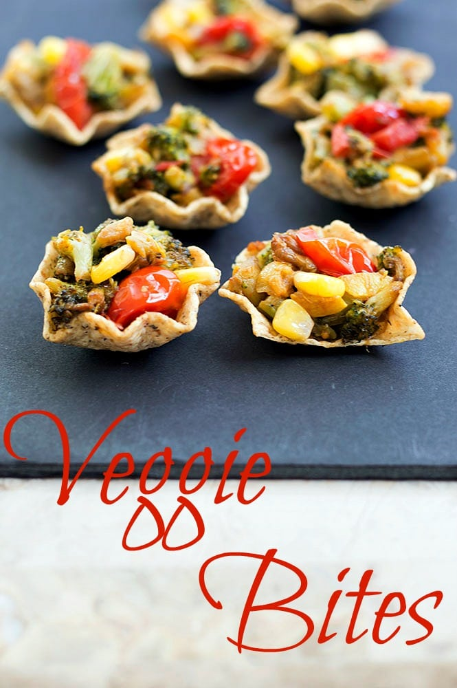 Front view of nacho bites filled with roasted veggies - Veggie bites