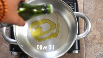 olive oil added to pan